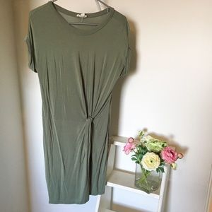 Green tshirt dress